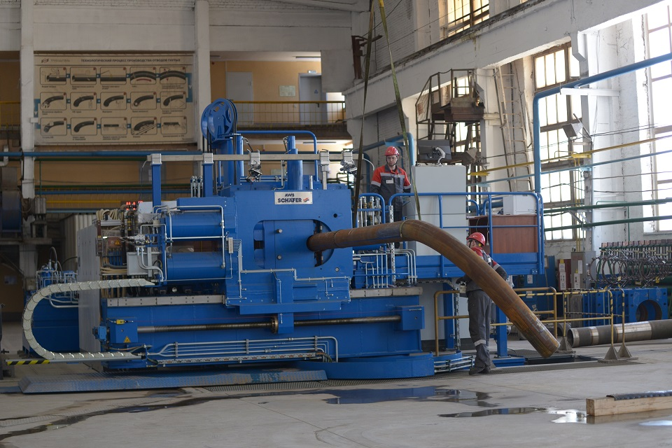 На заводе «Трубодеталь» запустили в эксплуатацию новый стан индукционной гибки труб малого диаметра