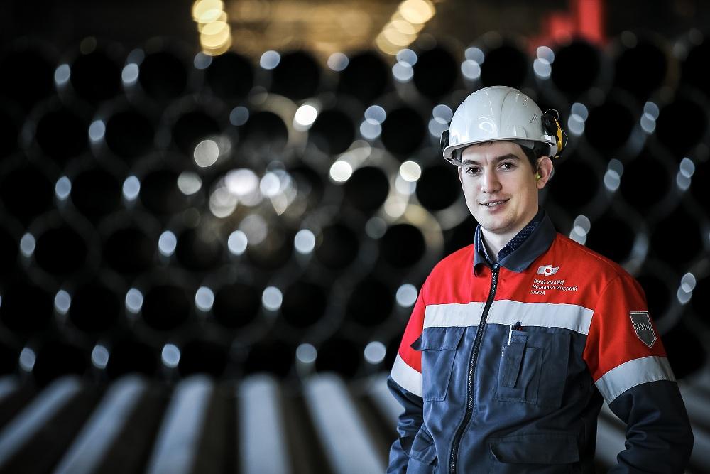 ОМК представит биметаллическую трубу большого диаметра для нефтегазового комплекса