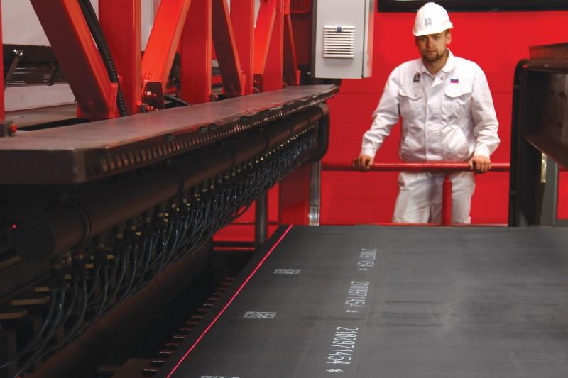 ТМК внедрила лазерную систему контроля качества листового проката